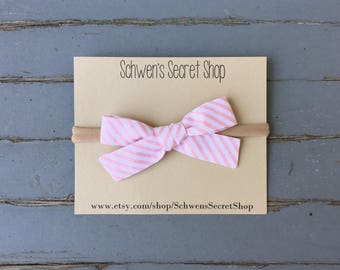hand tied bow, baby girl headband, baby girl bow, nylon headband, baby headband, school girl bow, baby hair bow, baby bow headband, baby bow