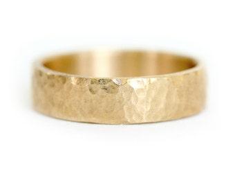 Men's Wedding Band - 14k Gold Wedding Ring - Hammered Wedding Band