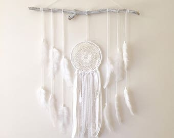 Dreamcatcher wall hanging, feather wall hanging, baby room decor, boho decor