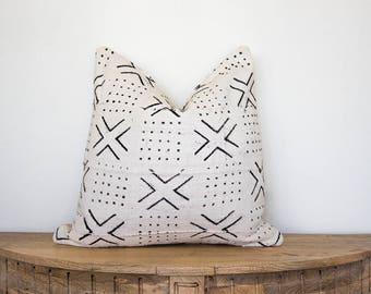 "Mudcloth Pillow Cover ""Ilani"" 18x18"