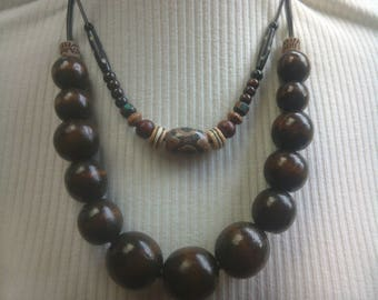 Big wood beads necklace