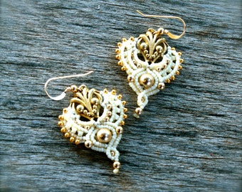 bridal earrings, dangle earrings, drop earrings, cream and gold earrings, macrame earrings, makrame earrings, geometric earrings, romantic