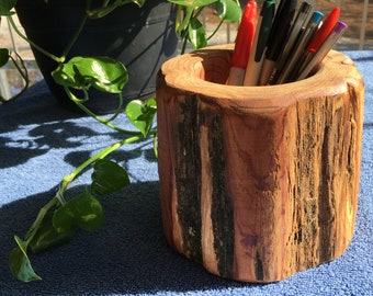 Hand Turend Aromatic Cedar Holder (Pen/Pencil)