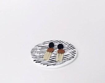 Monochrome Striped Minimal Ring Dish