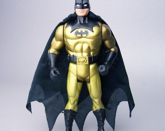 1990 Batman Tec-Shield Batman with Cape C85 Near Mint