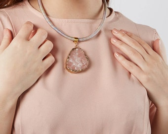 Pink druzy pendant necklace, gemstone necklace, healing crystal necklace, statement necklace, gift for her, pink and gold, chunky necklace