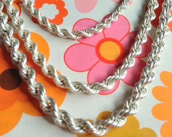 Necklace Silver. Three twisted chains. Vintage.