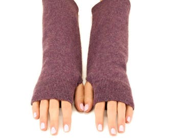 Cashmere Fingerless Gloves, Handmade Felted Gloves, Upcycled, Eco Friendly Wrist Warmers, Soft Arm Warmers, Texting Gloves, Grape Purple