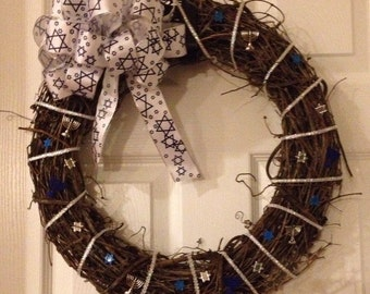 White and Blue Hanukkah Wreath - without banner