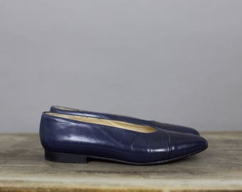 90s ANN TAYLOR NAVY leather flats size 7 1/2b
