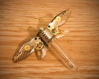 "Brooch ""mechanical antomologie"" steampunk gears and faux bulb - Butterfly"