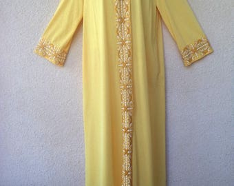 Long Nylon ROBE. Vintage Hostess Gown. Lounge Caftan. Snap Front Robe. Nylon Robe. Buttercup Yellow Robe. 1970s Robe. Yellow Housecoat. M
