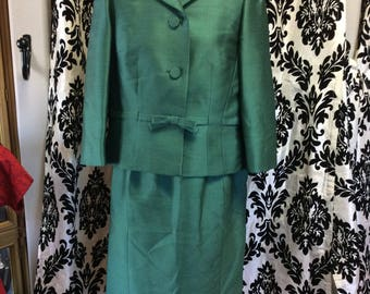 Classy Emerald Suit Set