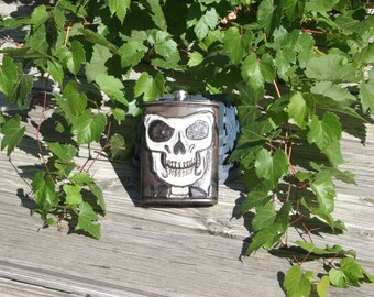 Skull Hand-Carved Leather 12 oz Flask