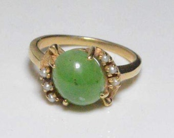 Vintage 14K Yellow Gold Jade and Seed Pearl Accent Band Size 5.5
