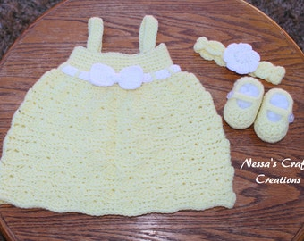 Crocheted Baby Dress Set / Wavy Dress, Headband, MaryJane Booties / 0-3 Months / Crochet Baby Outfit Set
