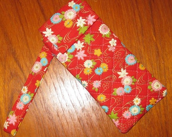 Japanese Quilted Fabric Eyeglasses Sunglasses Sleeve Chrysanthemums and Flowers Design Red