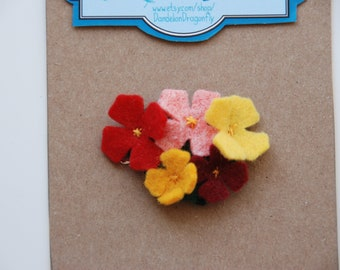 Flower hair clip / flower barette / Baby hair clip / Felt flower hair clip / Felt flower hair accessory / Baby gift / Girls gift
