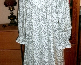 Ready To Ship/ Size 40-42 inch Bust/ Little Purple Flowers/Victorian Style Cotton Nightgown