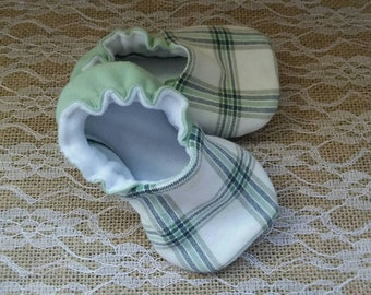 Handmade baby shoes, Soft sole shoes, baby booties, baby slippers--Sage/White Plaid