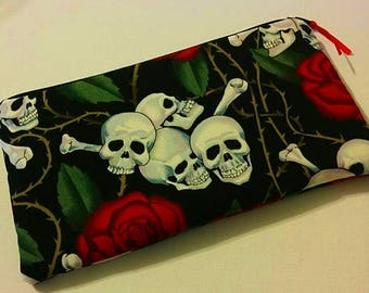 LAST One! SKULLS and ROSES Zippered Padded Wallet Pouch Make Up Bag Pencil Case Anime Cosplay