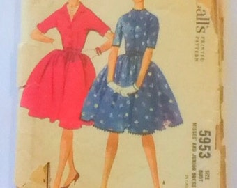 McCalls 5953 Dress Vintage 1960s Sewing Pattern Juniors Size 11 Bust 31