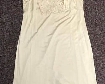 Vintage Women's Slip Made By Shadowline Size 38 Tall Off White Lace Made in the USA