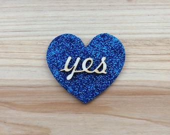 """Blue Glitter """"Yes"""" Heart Brooch"""