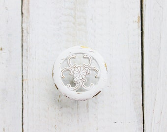 Shabby White Knobs Kitchen Cabinet Pulls ,  Painted Knobs ,Filigree Style , Furniture Dresser ,Bathroom Drawer , Fall Home, French Cottage