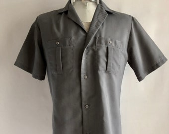 Vintage Men's 80's Gray Shirt, Short Sleeve, Button Down by Towncraft (M)
