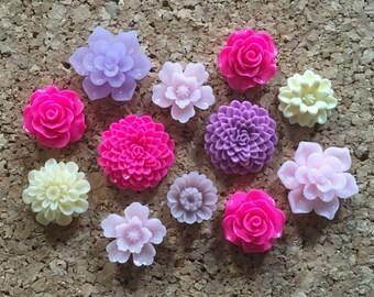 Flower Thumbtacks or Magnets Set of 12 - (#193) dorm decor, hostess gift, weddings, bridal shower, baby shower, gift, teacher gift