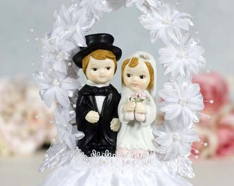Flower Arch Child Couple Cake Topper - Custom Painted Hair Color Available - 101026