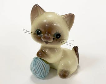 VINTAGE CERAMIC CAT Figurine - Cat With Ball Of Blue Yarn - Made In Japan Cat - Porcelain Figurine