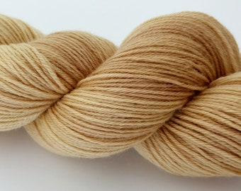 Natural plant dyed Polwarth sock yarn. Dyed with birch leaves and twigs. Spun + superwash treated in the UK. 85:15 Polwarth/nylon