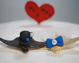 Stingray Cake Topper; Wedding Cake Topper; Stingray Bride and Groom; Small Animal Cake Topper; Under the Sea; Blue Wedding Decor; Mr and Mrs