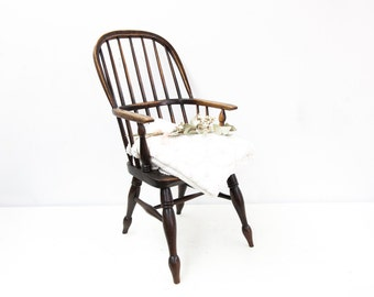 English Childs Windsor Chair