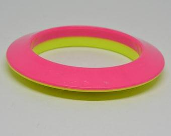 Lovely neon color plastic bangle bracelet