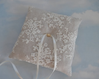 Linen wedding ring pillow. Wedding ring cushion.