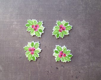 buttons 10 wood holiday Christmas winter leaf Holly Berry