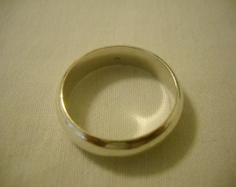 MARKED DOWN!!! Man's Sterling Silver Band Weight 10gr.