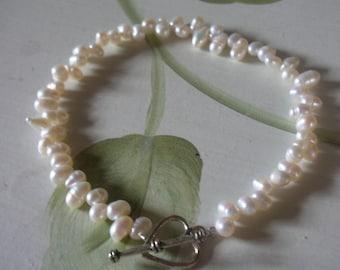 Bridal accessories, Bridesmaids jewellery, pearl bracelet!  handmade ivory freshwater pearl bracelet