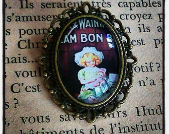 brooch cabochon oval old pub