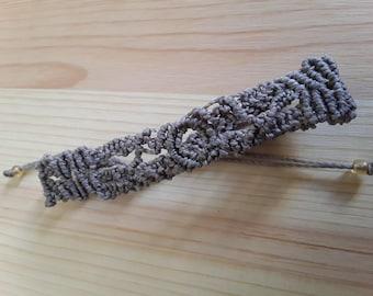 with retractable zip grey macrame bracelet