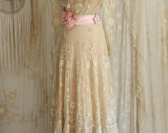 RESERVED Breathtaking Antique Wedding Gown / Victorian / Antique Lace / Bridal /  1910s Dress / Ecru / Size Medium