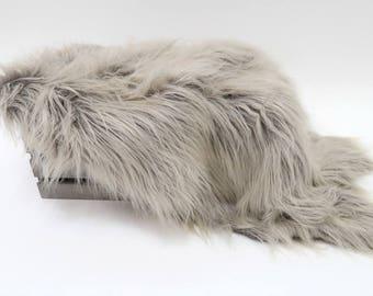 Ombre Vegan Fur Photo Props, Flokati Faux Fur, Faux Fur Blanket Prop, Newborn Baby Photography Props, Baby Boy Girl Prop BASKET STUFFER WOLF