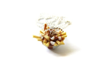 Poutine Necklace, Miniature Food Jewelry, Polymer Clay French Fries Food Necklace, Gravy and Cheese Curd French Fries, Canadian Food