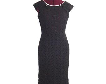 50s Eyelet Wiggle Dress Sheath Square Neckline Sleeveless size S M Pin Up Rockabilly