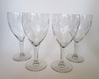 Crystal Wine Goblets   Set of 4   Etched Daisies