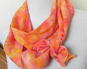 Hand gefärbt lange Seidenschal Crepe De Chine in Schattierungen von orange Pfirsich Nektarine und goldgelb ist bereit zum Schiff Seide Schal #458