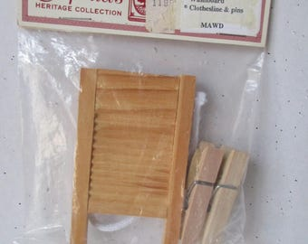 Wooden Doll Washboard Clothesline & Pins new old store stock